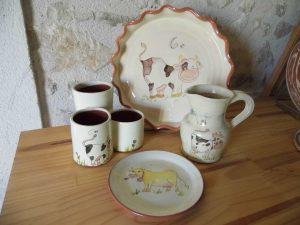 Collection de poteries sur le thème vache