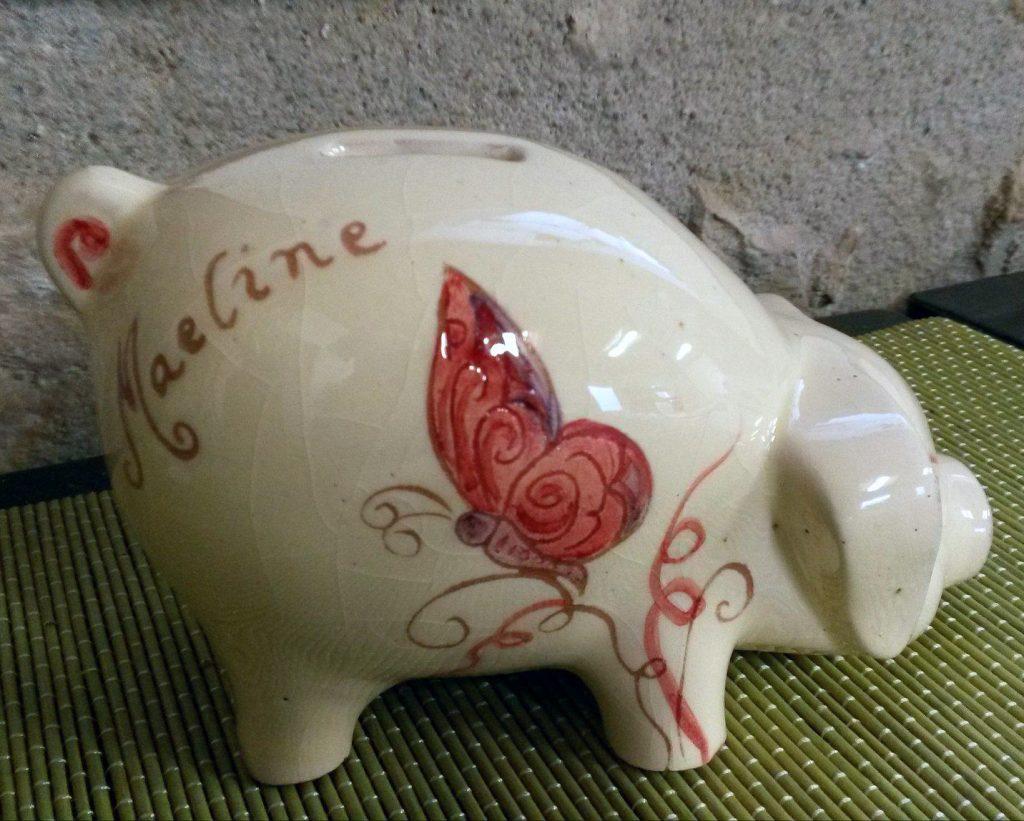 tirelire cochon personnalisée avec prénom et décoration papillon