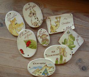 Plaques de porte personnalisées en céramique émaillée