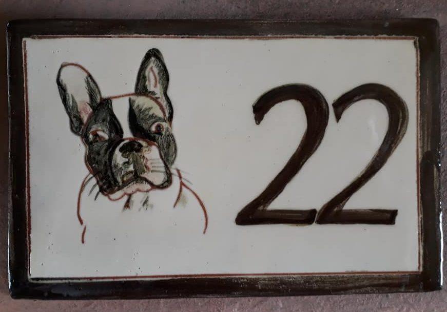 plaque maison personnalisee chien numero 22