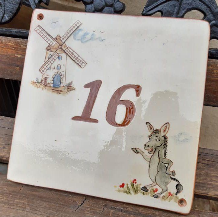 plaque de maison numéro 16 âne et moulin