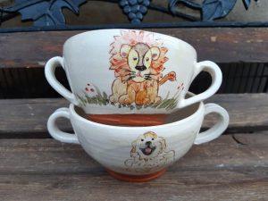 bols à 2 anses décors lion et chien