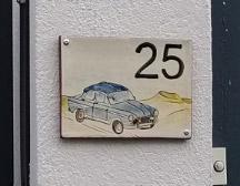 plaque de maison personnalisée céramique numéro 25 voiture